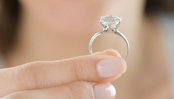 5.11 Cómo cuidar tu anillo de compromiso