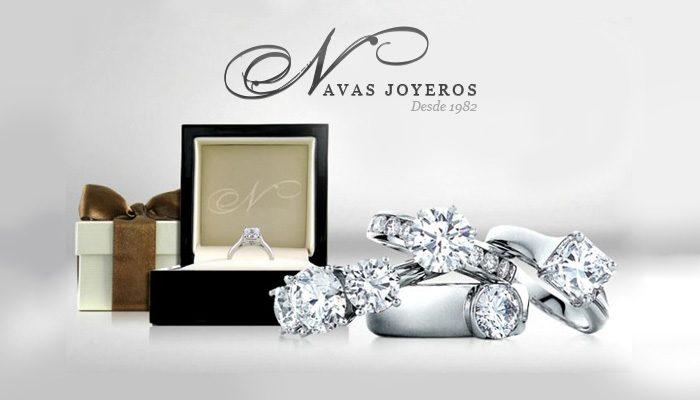 anillos de diamantes en orla