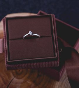 solitario-de-diamante-antartida-estuche-navas-joyeros
