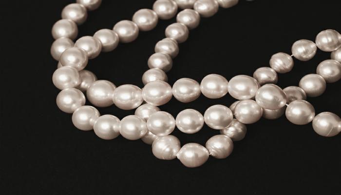 navas-joyeros_collares-perlas-naturales_creative1