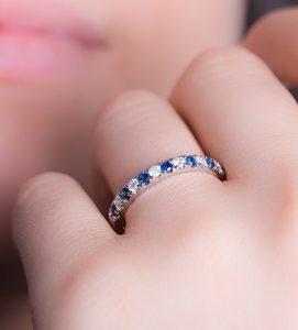 sortija de diamantes y zafiros azules bali