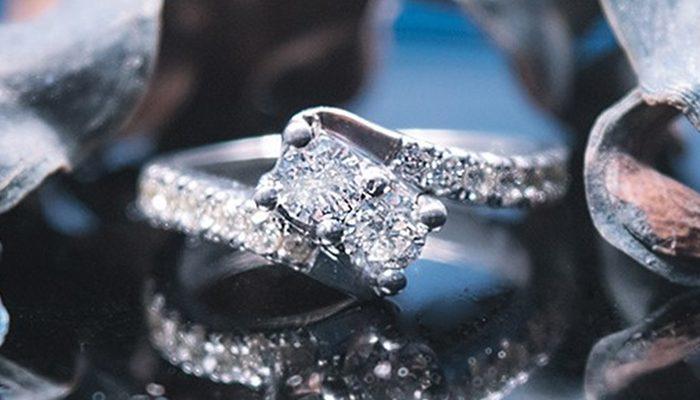 comprar popular be2a5 417c1 25 años vendiendo anillos de compromiso en el Corte Inglés ...